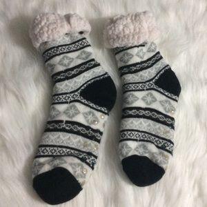4 for $20//Winter Fuzzy Socks